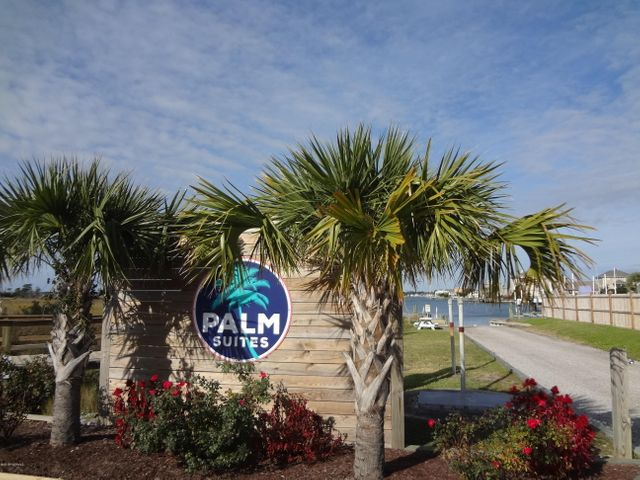 Palm Suites Boat Ramp