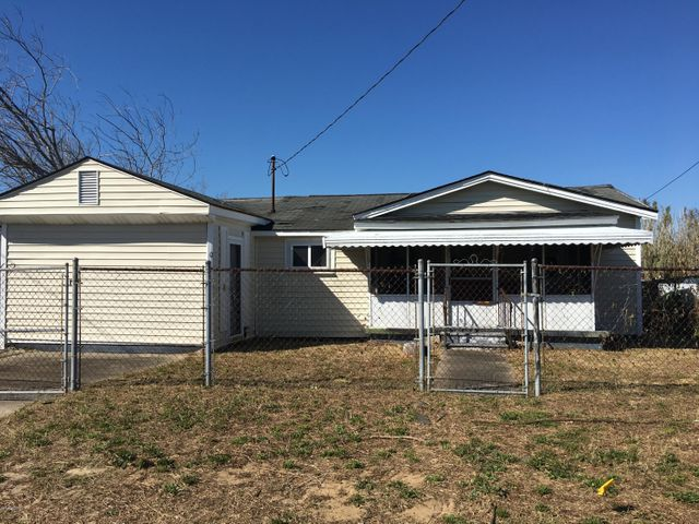 1502 Avery Street, Morehead City, NC 28557