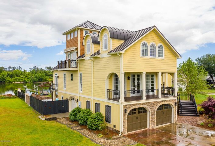 708 Sea Gate Drive, Newport, NC 28570
