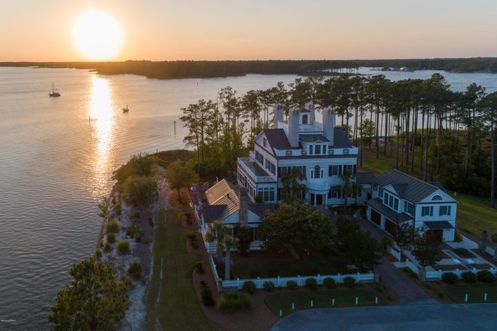 11 Jayne Point, Oriental, NC 28571