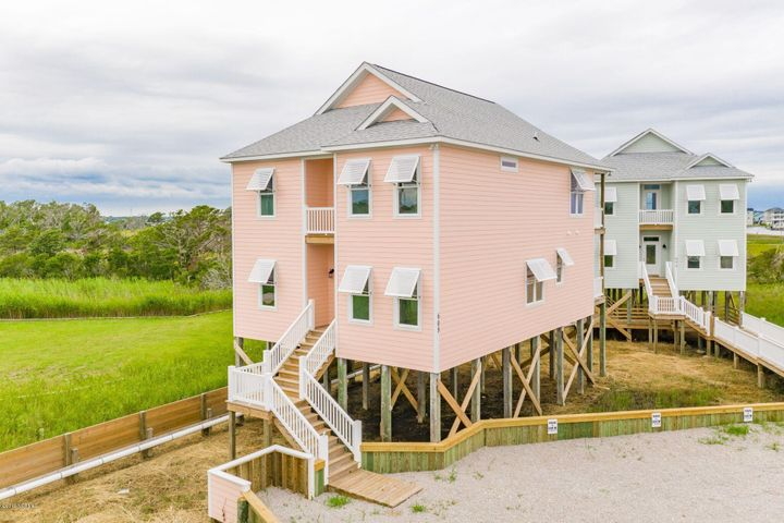 608 W Fort Macon Road, Atlantic Beach, NC 28512