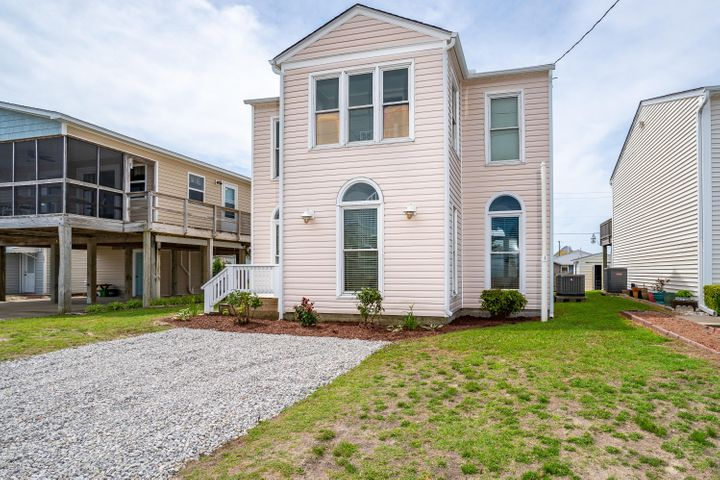 209 W Bogue Boulevard, Atlantic Beach, NC 28512