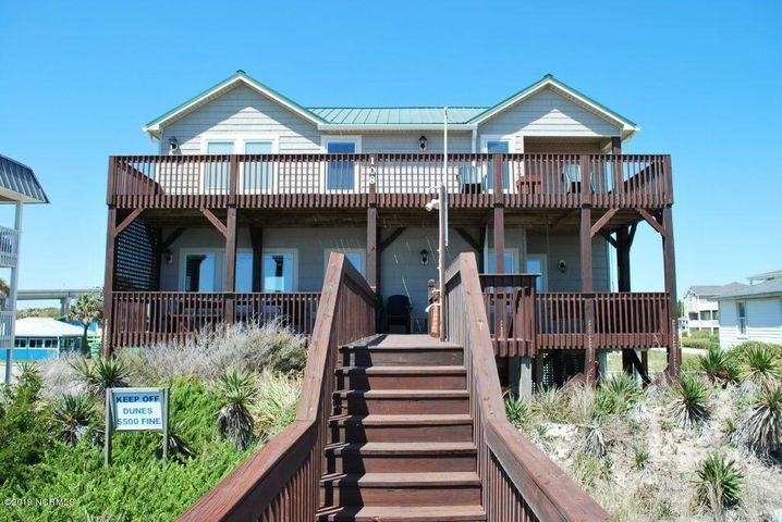 108 Ocean Boulevard E, Holden Beach, NC 28462