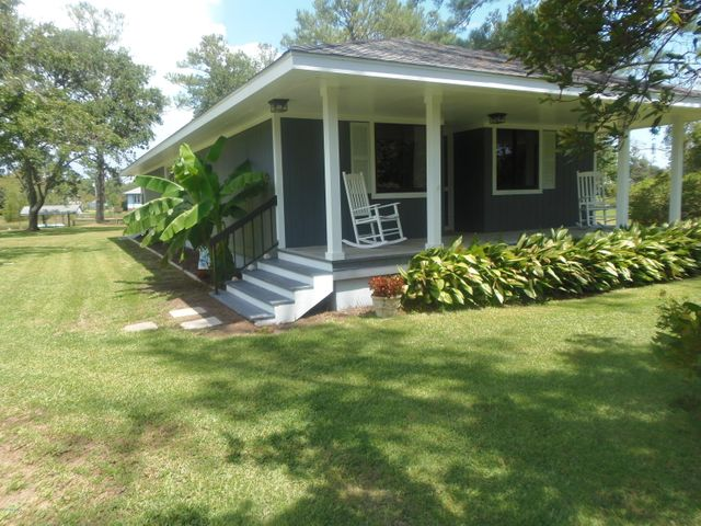 184 Wallace Road, Beaufort, NC 28516