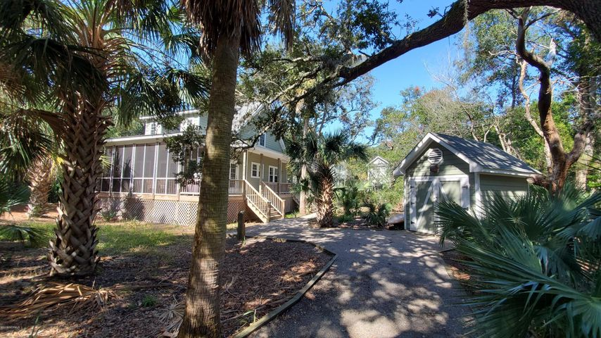 7 Poor Mans Pepper Trail, Bald Head Island, NC 28461