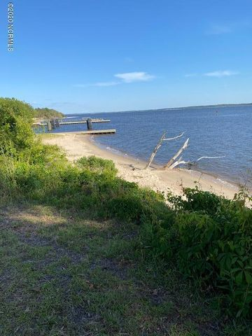 143 1 Country Club Drive, Minnesott Beach, NC 28510