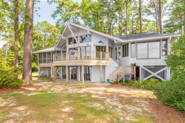 497 Chambers Point Road, Belhaven, NC 27810