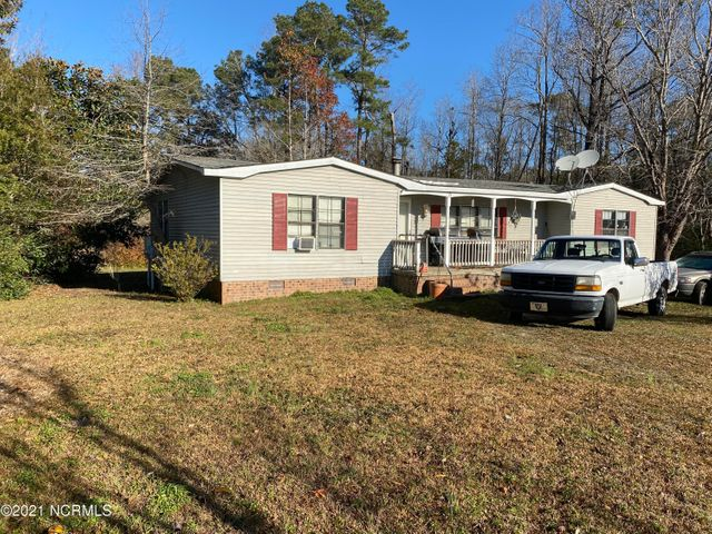 121 Peachtree Street, Whiteville, NC 28472