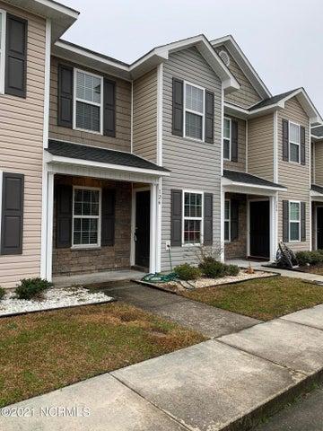 126 Glen Cannon Drive, Jacksonville, NC 28546