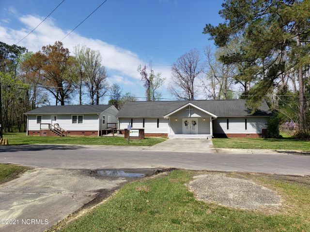 199 Forest Drive W, Whiteville, NC 28472
