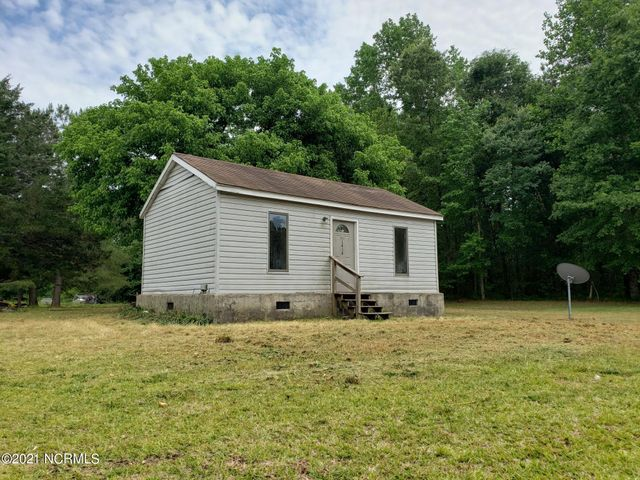 1414 Tom Sessions Road, Whiteville, NC 28472