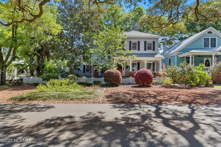 210 N Lord Street, Southport, NC 28461