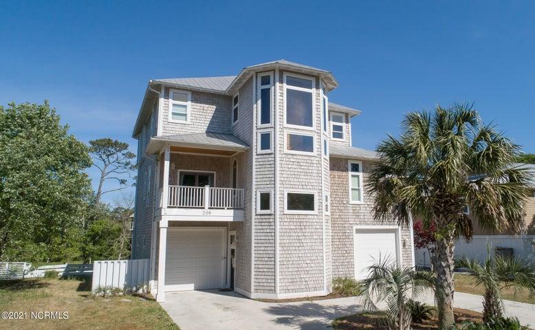 208 Oak Outlook Way N, Carolina Beach, NC 28428