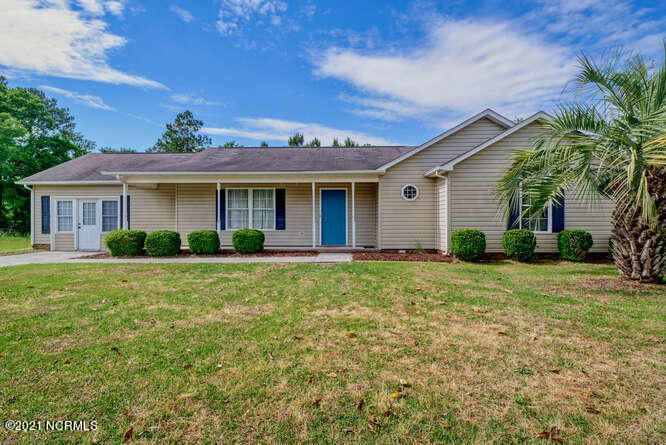 304 Woody Way, Sneads Ferry, NC 28460
