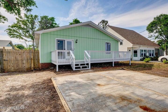 906 Fifth Street S, Carolina Beach, NC 28428