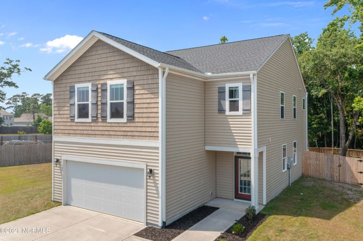 105 Tralee Place, Holly Ridge, NC 28445