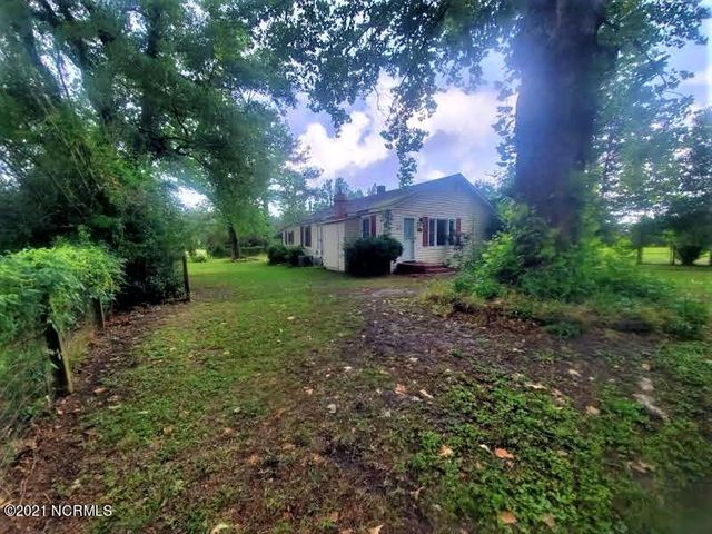 3950 Nc Highway 50, Maple Hill, NC 28454