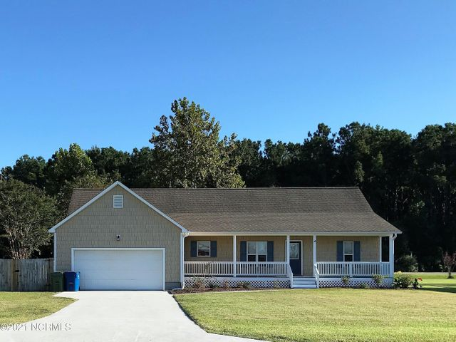 506 Greenfield Place, Sneads Ferry, NC 28460
