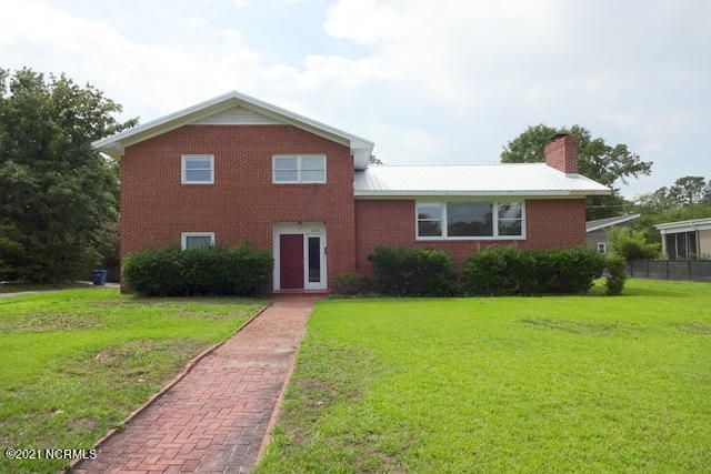 1210 Forest Hills Drive, Wilmington, NC 28403