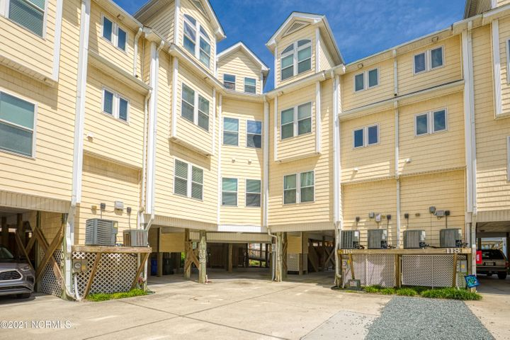 114 Summer Winds Place, Surf City, NC 28445