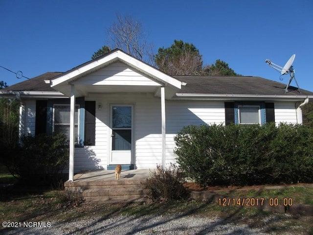 1468 Herrings Chapel Road, Burgaw, NC 28425