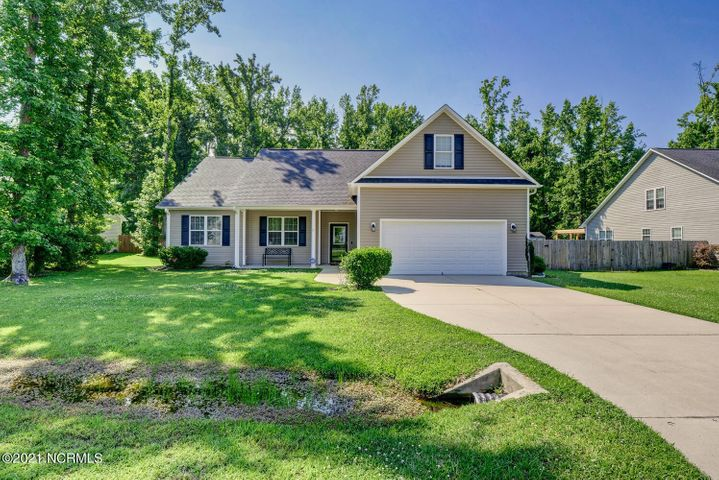 65 Schoolview Drive, Rocky Point, NC 28457