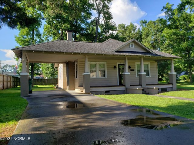 208 W Calhoun Street, Whiteville, NC 28472