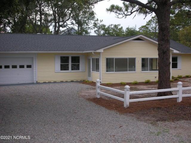 155 NW 7th Street, Oak Island, NC 28465