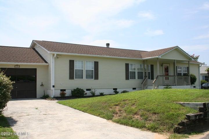 604 Capeside Drive, Wilmington, NC 28412