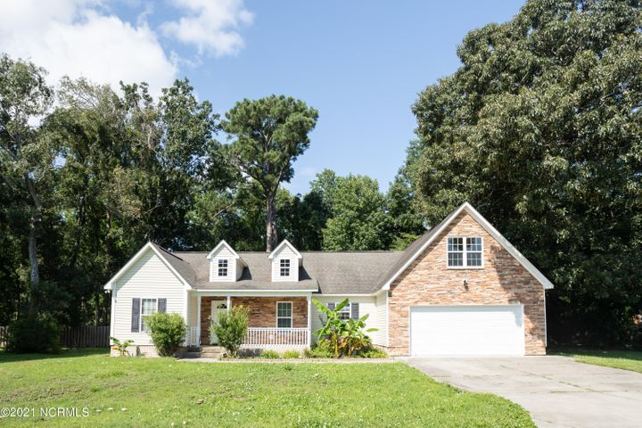 214 Egret Point Drive, Sneads Ferry, NC 28460