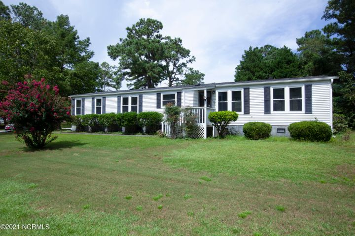 637 Outrigger Court, Hampstead, NC 28443