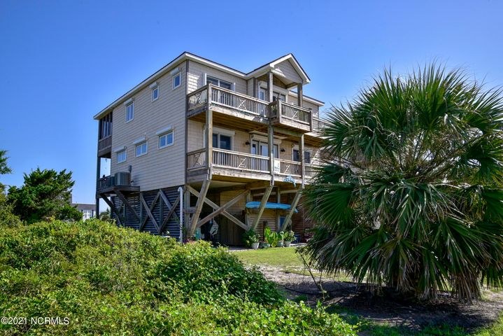 1718 W Dolphin Drive, Oak Island, NC 28465