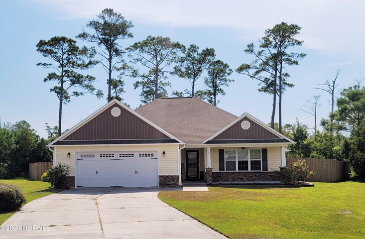 201 Marsh Haven Drive, Sneads Ferry, NC 28460