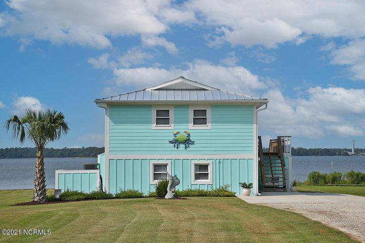 171 Hall Point Road, Sneads Ferry, NC 28460