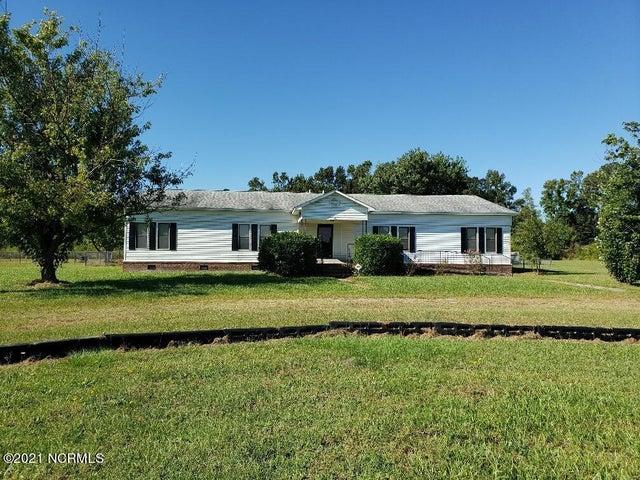 1545 School Road, Fairmont, NC 28340