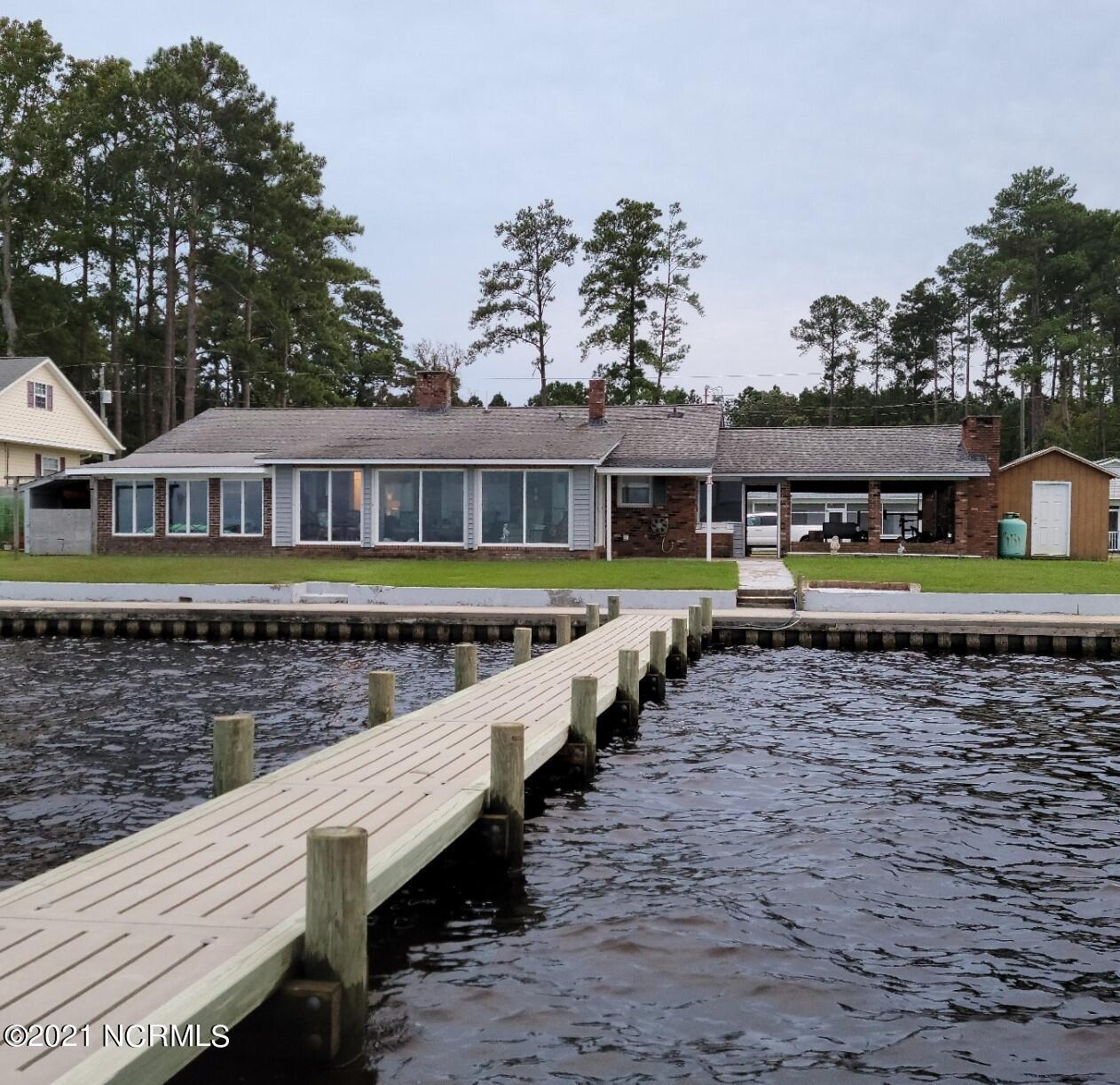 495 Pungo Shores Drive, Belhaven, NC 27810