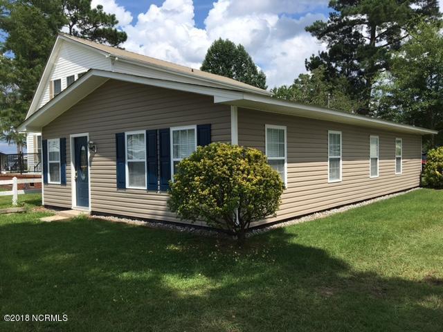 108 Pine Cove, Elizabethtown, NC 28337