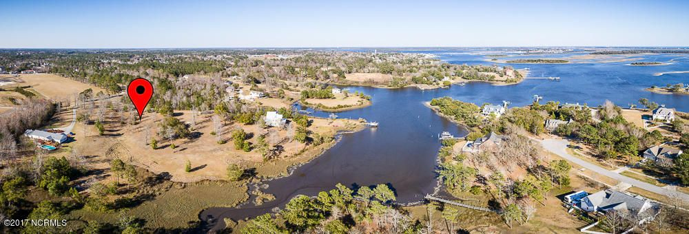 HOME TO THE SEA! The perfect site for your future. This 3.03 acre lot with over 200' on Fosters Creek in Swansboro has a view that must be experienced. Landscaping is courtesy of Mother Nature! Minutes from Intra-Coastal Waterway. 639 Old Hammock Rd. available as well; family or friend can build next door. This can be your place to drop anchor at $200,000