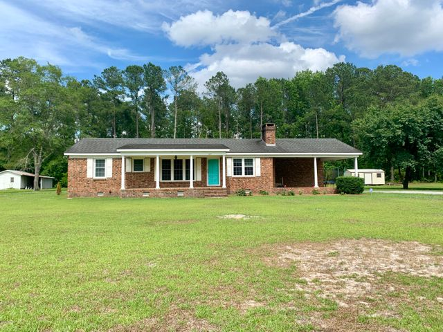 245 Woodlief Acres Road, Elizabethtown, NC 28337