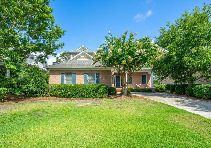 8517 Emerald Dunes Rd-large-001-008-Fron