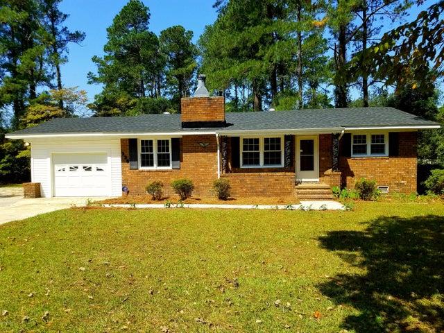 338 Pinecrest Drive, Chadbourn, NC 28431