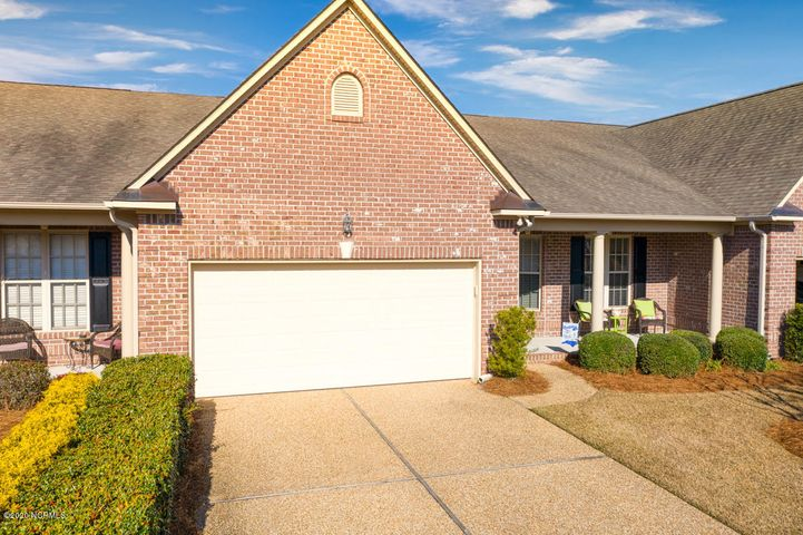 Gorgeous, open floor plan all on one level. Hardwood floors throughout the living areas. Very functional space with formal dining room, living room with gas log fireplace, and bright sunroom. White kitchen with granite counters with lots of work space, and a cozy breakfast nook. Large master suite with corner tub and walk-in shower. Second bedroom plus a large office that can be another bedroom/guest suite. All this in convenient Palmetto Creek with all of the amenities you could want!