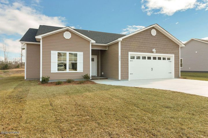New plan, new price! The much sought-after and more affordable Queens Creek Floor Plan is now available in Cape Carteret. Come live the easy life with great indoor and outdoor space.  Location close to Emerald Isle beaches, Historic  Swansboro; convenient location between Camp Lejeune and Cherry Point bases, and in the sought-out Croatan School District.  Hurry to reserve and pick your colors/finishes! All pictures are similar of the same plan in another area.