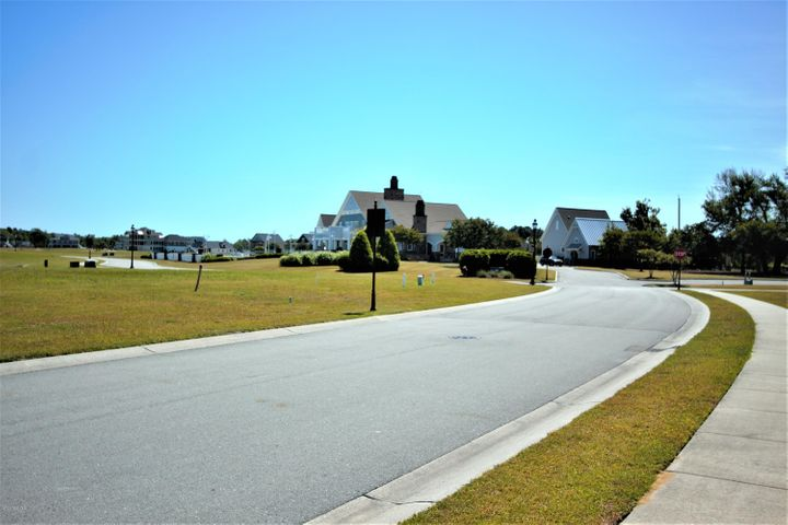 Build your new dream home in Summerhouse a water front community with beautiful amenities only a short drive back to Hwy 17 to Jacksonville ,Wilmington or short drive to the beach. This lot is within  walking distance to the swimming pool and fitness center very rare for this location to come available!! Lot cleared and ready to build! Other amenities include clubhouse, day dock, picnic areas, boat ramp & storage, tennis and basketball courts, playgrounds and more! Lot number 480.