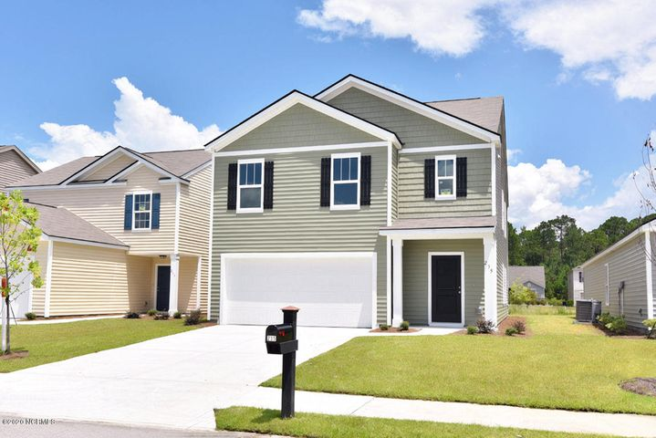 This beautiful Robie floor plan is  in the wonderful Hope Creek Community. This 4 Bedroom, 3 bath home features stainless steel appliances, large kitchen island, loft upstairs, large master suite with walk in closest and much much more!
