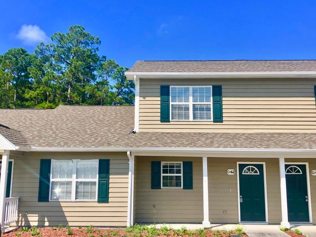 Two bedroom, 2.5 bath townhome within 10 minutes of the beach!  New flooring recently installed, located in the Carteret County school district, and a convenient open floor plan for the kitchen and living area. Each bedroom has it's own attached bathroom on the upper level.