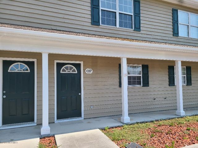 THEY SAY LOCATION IS EVERYTHING AND THIS LOCATION DOES. CLOSE TO THE CRYSTAL COAST BEACHES, GOLF, BEST SCHOOLS AND LOCATED BETWEEN CAMP LEJEUNE AND CHERRY POINT.