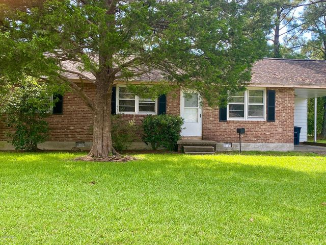 Great Family Home! Charming 3 bedroom, 1 bath home situated on a corner lot in a well-established neighborhood. This is the perfect starter home. The home is conveniently located to shopping, restaurants, and entertainment. Call today to schedule your appointment.