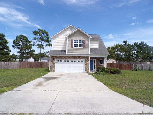 This beautiful 3 bedroom, 2.5 bath home won't last long!! Located in the gated community of Highlands at Queens Creek, this home has plenty of space to satisfy all your needs. Come make this home yours today!!