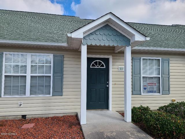 ONE LEVEL!!!!   2 BEDROOM 2 FULL BATH  GREAT NEIGHBORHOOD LOCATED CLOSE TO THE CRYSTAL COAST BEACHES, SHOPPING AND BEST RESTAURANTS AROUND. HOA INCLUDES POOL AND WATER.